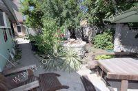 Снять жилье в Феодосии: частный сектор в центре у моря - Во дворе есть шезлонг