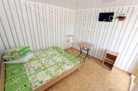 Отдых в Крыму, частный сектор для отдыха - В каждой спальне столик