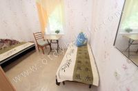 Отдых в Крыму, частный сектор для отдыха - Удобный стол со стулом