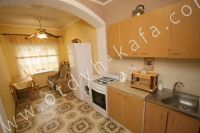 Выгодно снять дом под ключ в Крыму - Небольшая кухня
