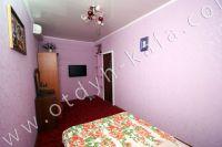 Выгодно снять дом под ключ в Крыму - Спальня на втором этаже