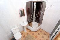 Феодосия-дома, цены на аренду жилья - Ванная комната на втором этаже