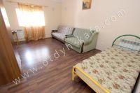 Феодосия-дома, цены на аренду жилья - Двуспальный диван