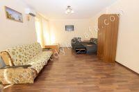 Феодосия-дома, цены на аренду жилья - Вместительный шкаф