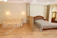 Элитный эллинг, Феодосия - Черноморская набережная, номер 302 - Современное решение разделить комнату