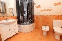 Элитный эллинг, Феодосия - Черноморская набережная, номер гостевой - Современная душевая