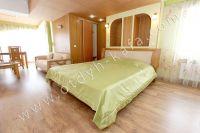 Элитный эллинг, Феодосия - Черноморская набережная, номер 403 - Большая двуспальная кровать