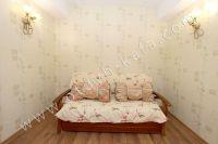 Элитный эллинг, Феодосия - Черноморская набережная, номер студенческий - Современный диван