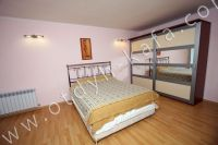 Эллинг на берегу моря, Феодосия - Большая двуспальная кровать