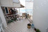 Эллинг на берегу моря, Феодосия - Небольшой балкончик с видом на море