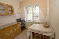 Феодосия цены на квартиры - Чистая, просторная кухня