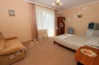 Современная гостиница на Черноморской Феодосии - Больший и светлый номер