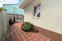 Современная гостиница на Черноморской Феодосии - Дворик уложен плиткой