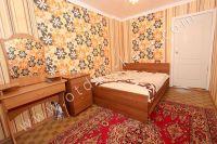 Отдых в Феодосии, цены на квартиры - Большая двуспальная кровать