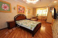 Феодосия квартиры посуточно - Удобная двуспальная кровать