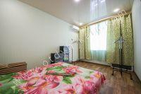 Недорого сдам квартиру в Феодосии летом - Просторная спальня.