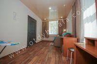 Недорого сдам квартиру в Феодосии летом - Проходная спальня.
