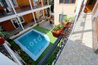 Отдых в Феодосии, пансионаты с бассейном - Общий вид бассейна