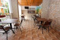 Отдых в Феодосии, пансионаты с бассейном - Предусмотрен телевизор в столовой зоне