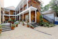 Отдых в Феодосии, пансионаты с бассейном - Современное новое здания
