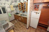 Крым, Феодосия. Гостевой дом с просторной спальней - Небольшая кухня