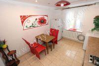 Снять дом в Феодосии посуточно - Удобный обеденный стол
