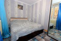 Снять дом в Феодосии посуточно - Небольшая светлая спальня
