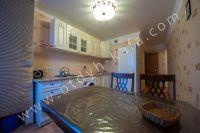 Только у нас квартиры посуточно! Феодосия недорого летом - Удобный обеденный стол.