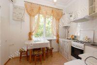 Недорого снять квартиру в Феодосии - Небольшой обеденный стол