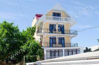 Гостиница на Черноморской набережной Феодосии  - Балконы с видом на море