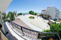 Гостиница на Черноморской набережной Феодосии  - Вид на Жемчужный пляж