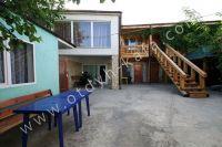 Феодосия: частный сектор для отдыха - Большой уютный двор