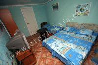 Феодосия: частный сектор для отдыха - Удобная двуспальная кровать