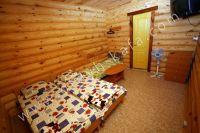 Феодосия: частный сектор для отдыха - Трехместный номер из сруба