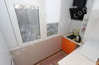 Феодосия: квартиры снять недорого очень легко - Небольшая кухня