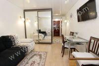 Феодосия: квартиры снять недорого очень легко - Встроенный шкаф-купе