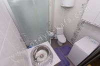 Феодосия: квартиры снять недорого очень легко - Современная душевая