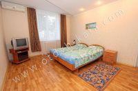 Отдых в Феодосии недорого подарит «Отдых-Кафа» - Большая двухспальная кровать