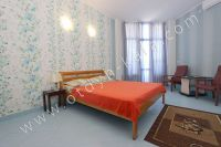 Чарующая Феодосия! Цены на жилье на летний сезон - Удобная двуспальная кровать.