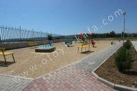 Комфортабельное жилье в Феодосии! Посуточно квартира по приемлемым ценам - Детская площадка