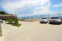 Здесь можно выгодно снять квартиру в Феодосии посуточно - Удобный паркинг на территории