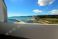 Здесь можно выгодно снять квартиру в Феодосии посуточно - Небольшой балкон с видом на море