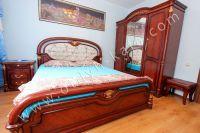 Современные квартиры в Феодосии посуточно - Удобная двуспальная кровать.