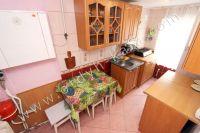 Уютное жилье снять посуточно! Феодосия предоставляет широкий выбор апартаментов - Небольшая кухня