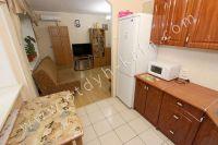 Посуточная аренда квартир в Феодосии на выгодных условиях - Большая кухня-столовая