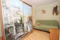 Посуточная аренда квартир в Феодосии на выгодных условиях - Удобный мягкий двуспальный диван