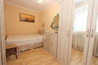 Посуточная аренда квартир в Феодосии на выгодных условиях - Большая двуспальная кровать