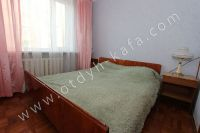 Отличные квартиры посуточно в Феодосии! Выбор за вами - Большая двуспальная кровать