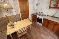 Отличные квартиры посуточно в Феодосии! Выбор за вами - Небольшой обеденный стол