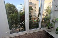 Отличные квартиры посуточно в Феодосии! Выбор за вами - Балкон с видом во двор